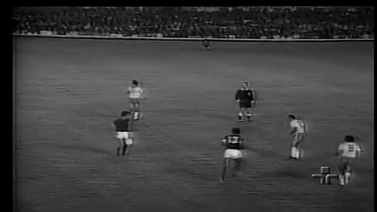 Peres (Sporting) no Portugal - 0 x Brasil - 1 da Final da Minicopa 1972