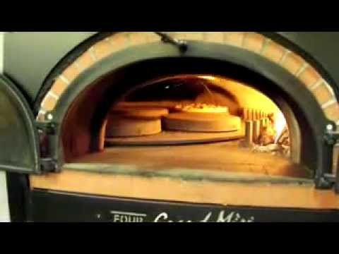 four a pizza rotatif youtube. Black Bedroom Furniture Sets. Home Design Ideas