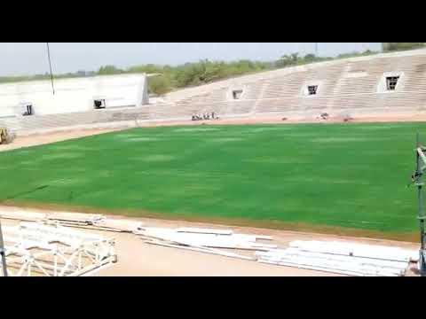Montage des échafaudages au stade Roumde Adjia de Garoua par la société GECC SARL
