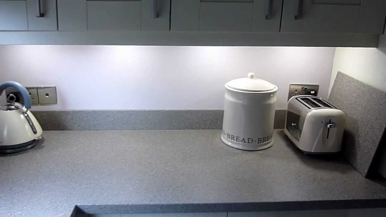 Ivory Painted Shaker With Earthstone Worktop