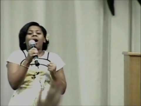 10 yr old Katie Rose sings