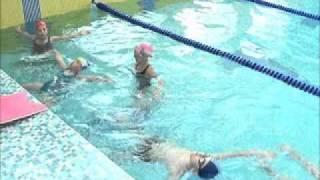 Как научить ребенка плавать.wmv