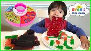 GIANT GUMMY CANDY MAKER! DIY gummy bear, Gummies worm! Kids Candy Review thumbnail