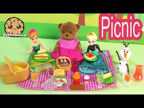 Li'l Woodzeez Picnic Basket Fun Playset With Disney Frozen Queen Elsa, Princess Anna + Olaf