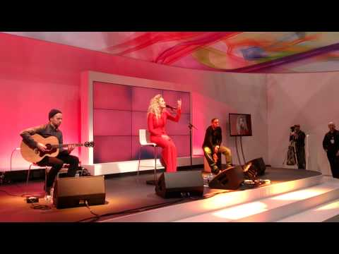 Rita Ora - Hey Ya! (Outkast Cover) And Shine Ya Light | Acoustic At Sony VIP Party (MWC 2013)