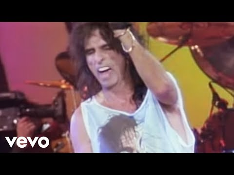 Alice Cooper - Spark in the Dark (from Alice Cooper: Trashes The World)