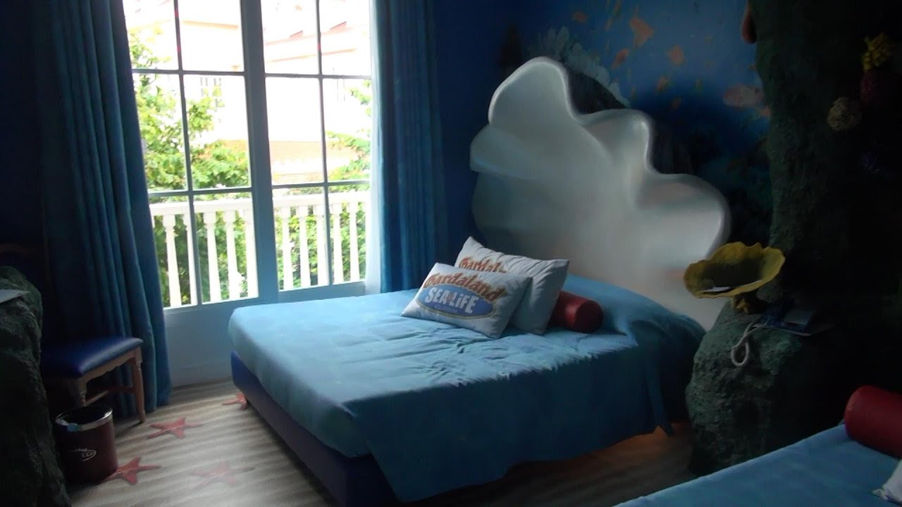 chambre theme sea life aquarium gardaland h tel themed room youtube. Black Bedroom Furniture Sets. Home Design Ideas
