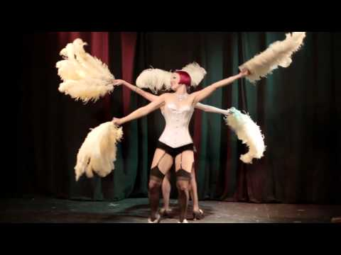 The Minsky Sisters performing at Double Your Pleasure Burlesque