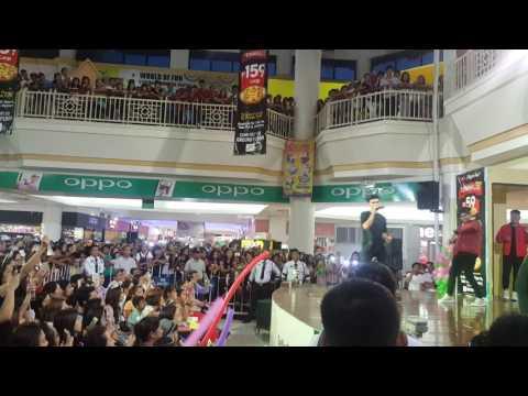 Inigo Pascual live at NE Pacific Mall Cabanatuan