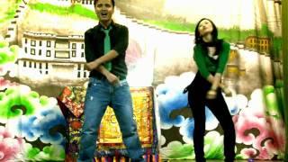 DESI GIRL (DOSTANA) Dance by Thupten Rinchen & Lobsang Dolma