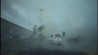 台南超恐怖龍捲風 捲飛轎車 瞬間秒殺 !!! Tornado in Tainan , TAIWAN