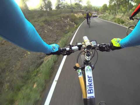 Descenso ciclismo Cresta del Gallo en el Relojero por carretera