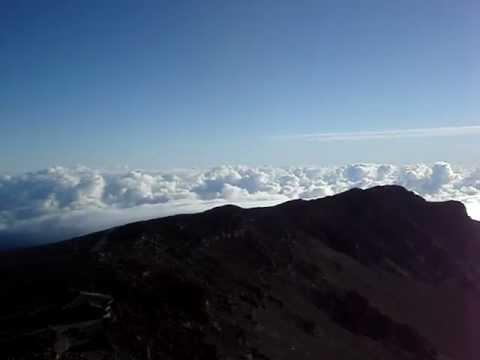 Sunrise at Haleakalā part 3 06-11-12 - Puu Ulaula Overlook 100.MPG