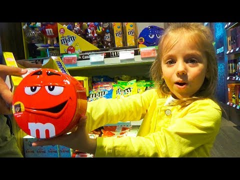 БУМ БУМ БАЛЛУН Челлендж распаковка Лопаем воздушные шарики колючками Boom Boom Balloon CHALLENGEиз YouTube · Длительность: 8 мин52 с