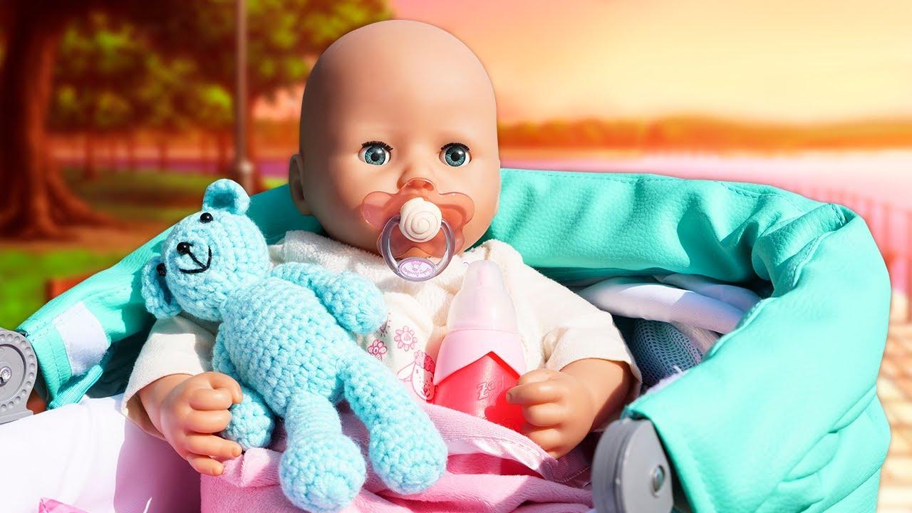 Paseamos con la muñeca bebé Anabelle en el carrito para bebés. Juguetes para niñas Baby Born.