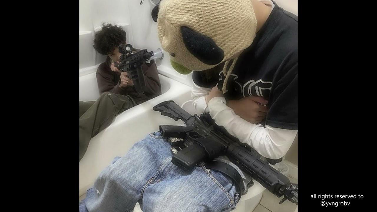 "(FREE) Slimesito + BeezyB + Fluhkunxhkos Type Beat ""Murder"" (prod.@yvngrobv)"