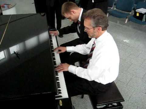 Dapper Dan and Brian Howerton on the keys in Lemgo...