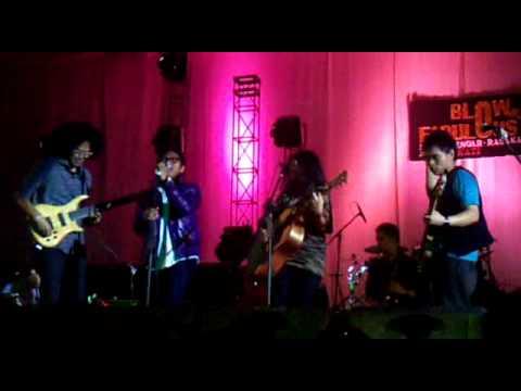 Barry Likumahuwa Project ft. Endah n Rhesa - waiting in vain 'semarang,8jan2011