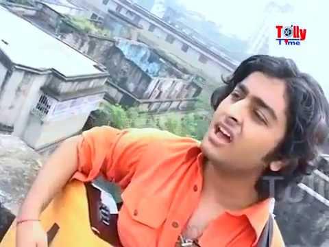 Arijit Singh Singing at his Village during teenage
