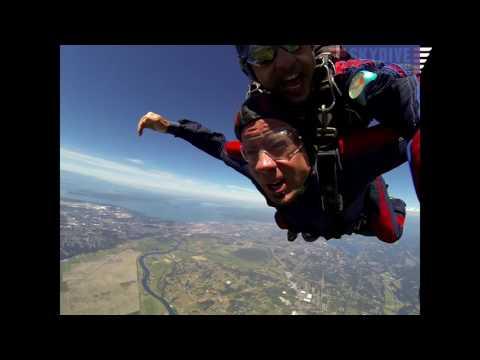 Darren Lowe's Tandem skydive!