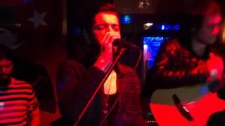 Onur Koç-İlla   Eylül Cafe/Bar