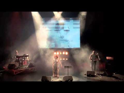 Video-Jockey during live show