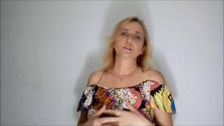 Rosa Foeger – jarro com frutas sobre barrado