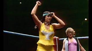 (720pHD): WWE 12/28/82 - Fabulous Moolah & Wendi Richter vs. P…
