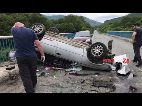 Серьезная авария в Партизанском районе. На мосту кульбит совершила иномарка