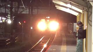 日豊本線牧駅815系