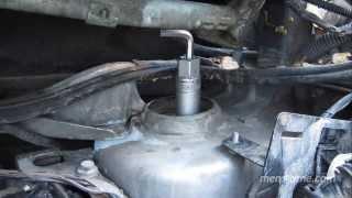 ч.3 Замена опорного подшипника и опоры стойки VW Sharan (левая стойка, снятие)