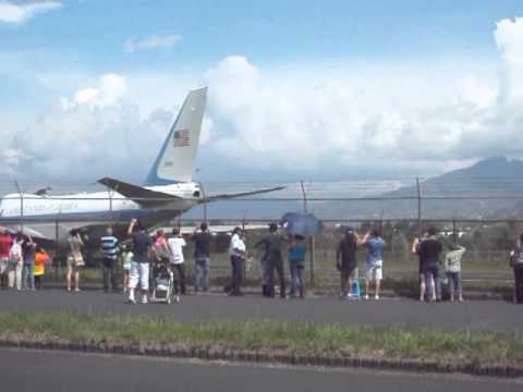 Aterrizaje del Air Force One a Costa Rica_V3Mayo13