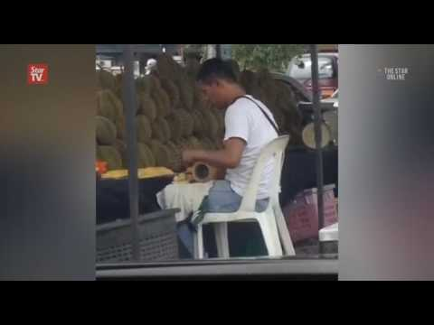 Video of durian seller