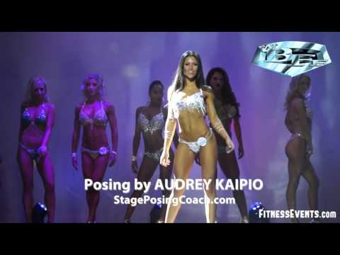 WBFF Pro Chloe Francis - Posing by Audrey Kaipio