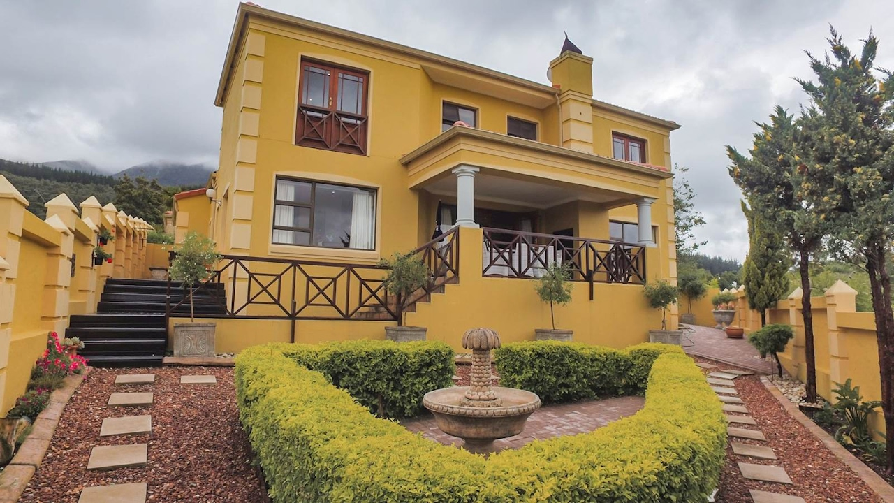 2 Bedroom Townhouse for sale in Western Cape | Garden Route | George ...