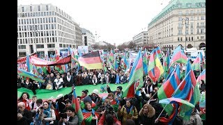Londonda azərbaycanlılar ermənilər qarşısında izdihamlı yürüşdə