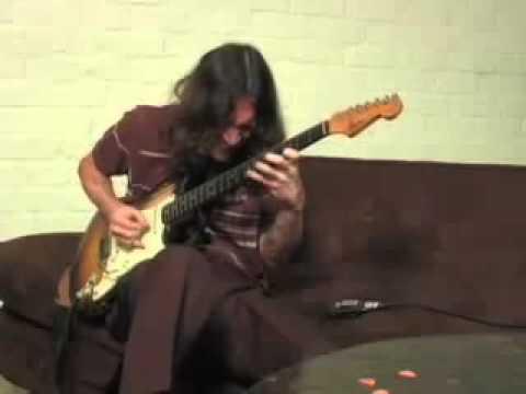 John Frusciante  amazing solo!!