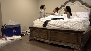 """CAUGHT IN """"YOUR"""" BED PRANK ON QUEEN FROM CHRIS AND QUEEN!!!😱"""