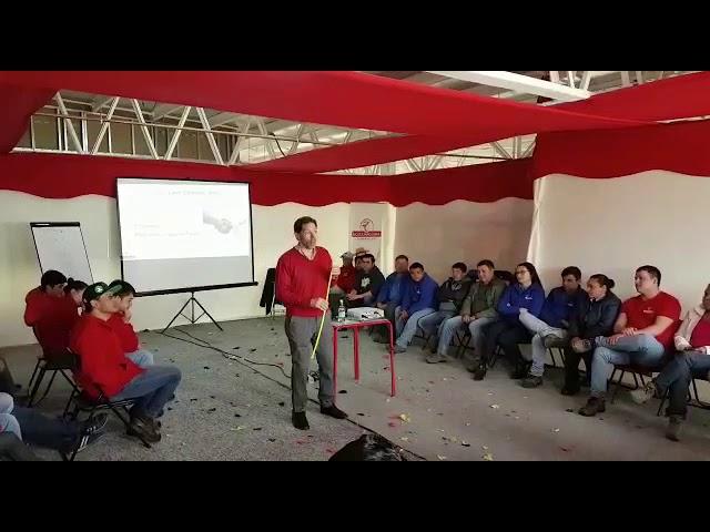 La Actitud Siempre Va a Depender de Vos por Santiago Antinogene