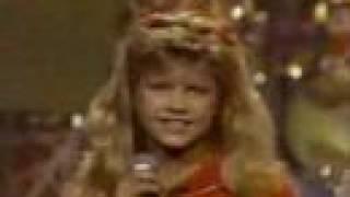 """Stacy Ferguson / Fergie sings """"Dangerous"""" age 10"""