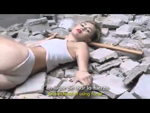 Miley Cyrus Wrecking Ball lyrics english and espanish