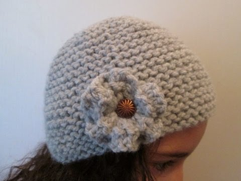 DIY TUTO APPRENDRE A TRICOTER UN BONNET CLOCHE A FLEUR STYLE CHARLESTON AU  POINT DE MOUSSE FACILE ! 364df7a55b9