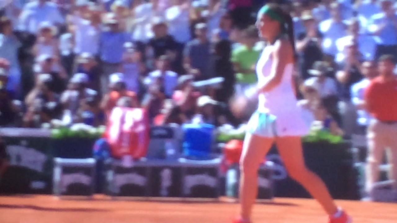 Jelena Ostapenko beats Simona Halep to win French Open