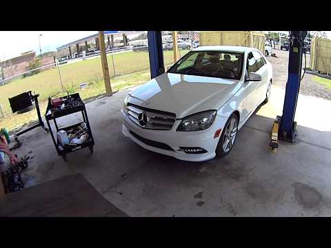 How To Replace Battery on a 2007 – 2014 Mercedes Benz C300 W204