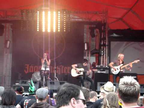The Dirty Youth Killing In The Name acoustic at Download Festival 2011