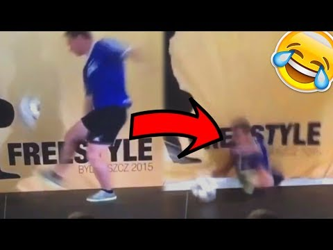 TOP 10 FREESTYLE FOOTBALL FAILS