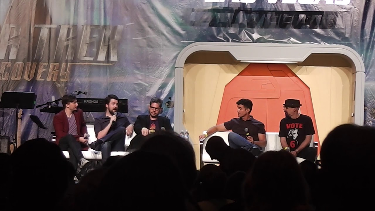 Download Deep Space 9 What We Left Behind at the 2018 Star Trek Convention in Las Vegas