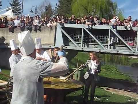 La frittata più grande del mondo a Scheggino