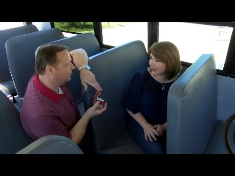 Man Proposes to Girlfriend on Bus, Where They Met 35 Years Earlier