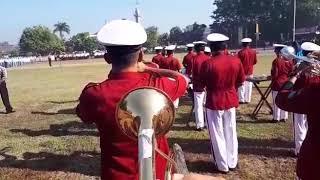 latihan trompet upacara tanda siap, laporan dan penghormatan pasukan militer